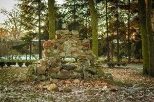 Krobia ruiny groty matki boskiej z Krobia Grota Matki Bożej z Lourdes
