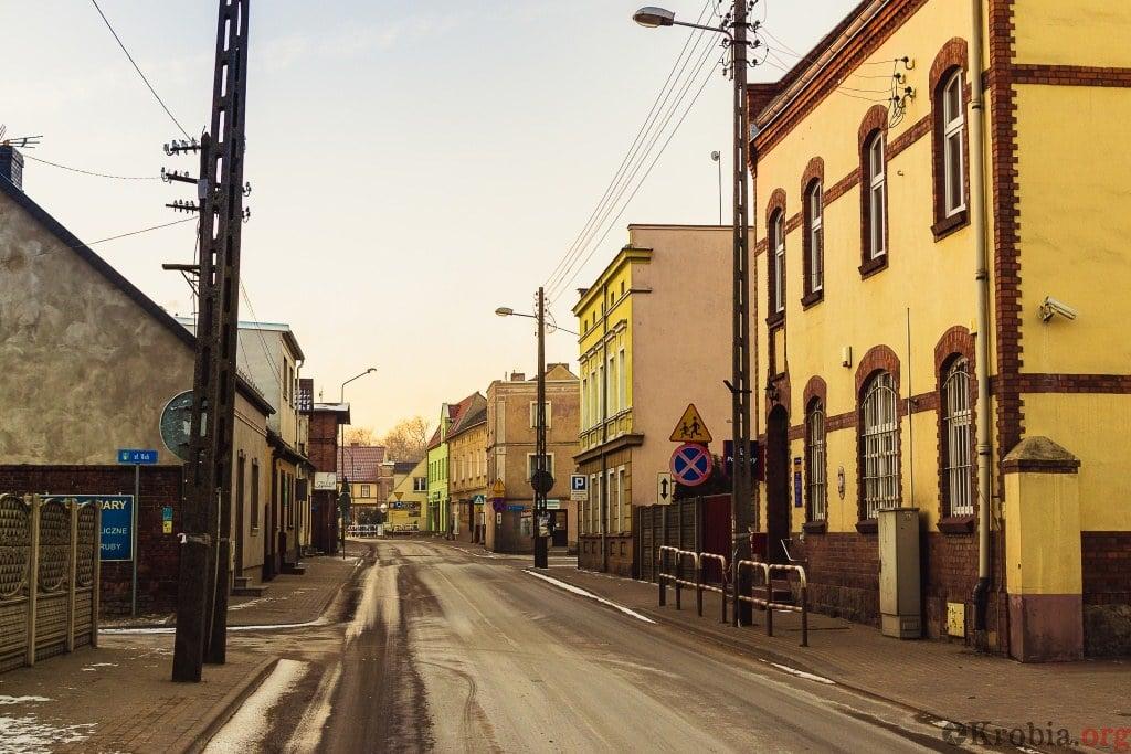 Aktualny widok Krobia ul. Kobylińska Urząd Pocztowy