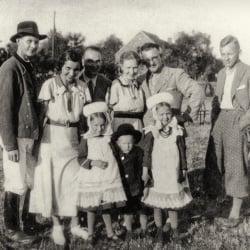 Bożena Czyżykowska w Doamchowie 1934 r.