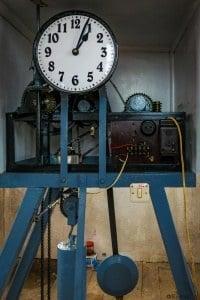 Mechanizm zegara.
