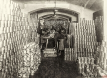 20 - Fabryka konserw - magazyn pełnych puszek - cześć I