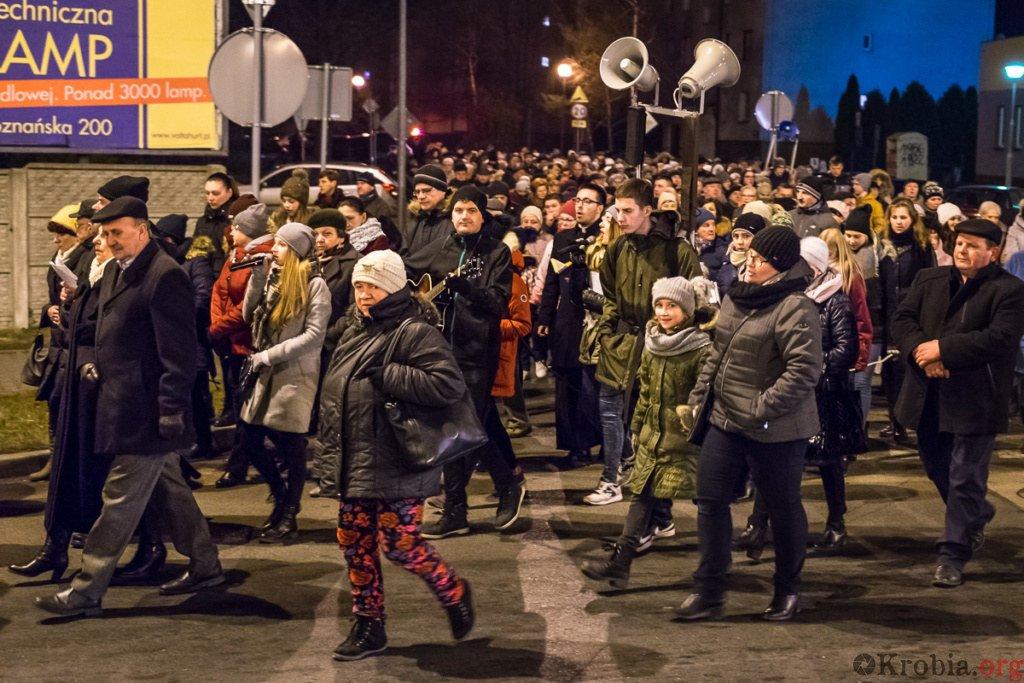 Droga krzyżowa w Krobi 2018